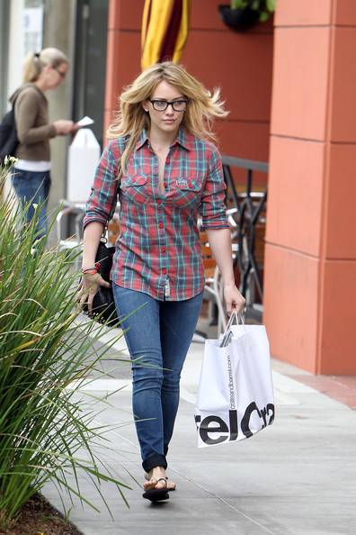 Hilary+Duff+wearing+black+framed+glasses+plaid+t6NdsZkSIdSl