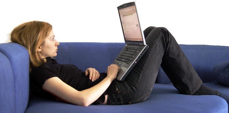 LaptopCouchGirl