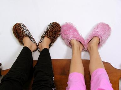 iStock_slippers